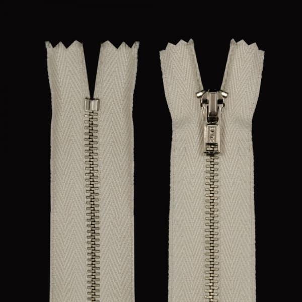 Молния Lux кремовая + никель, 30 см